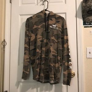 Hollister thin XL camo hoodie with pocket